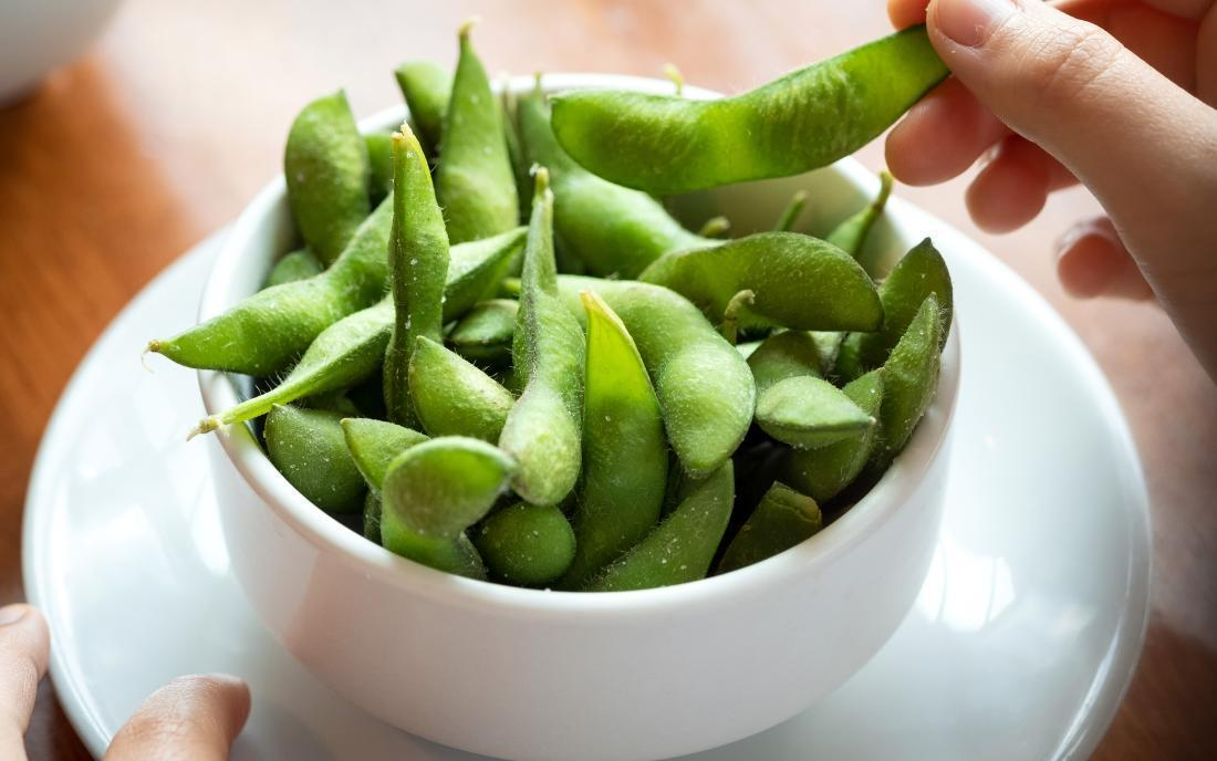 a-bowl-of-edamame-that-has-many-health-benefits.jpg