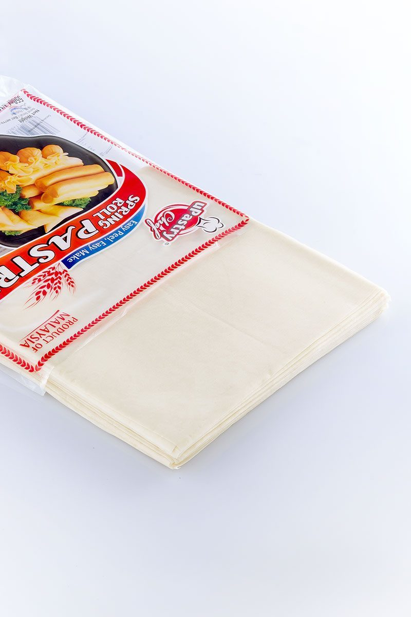 Products-upastry-spring-roll-pastry-8.5-inch-sheets-product-with-packaging
