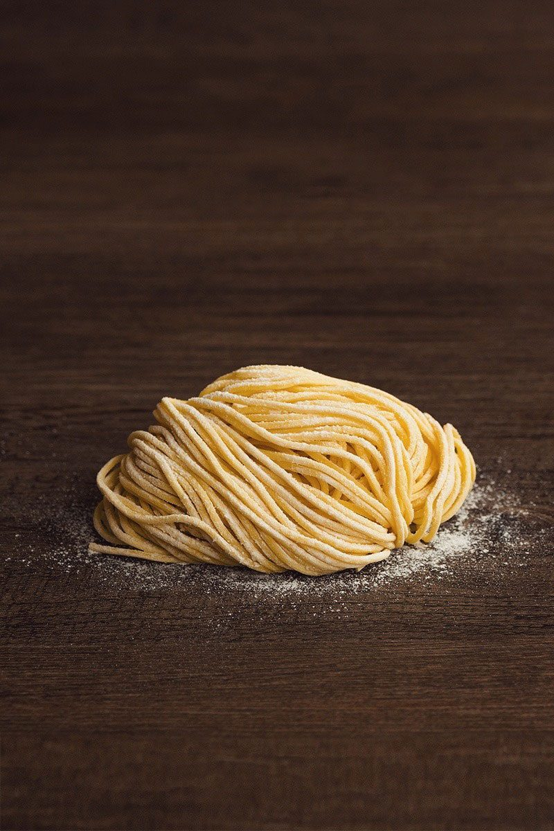 Products-upastry-noodles-japanese-ramen-product-presentation