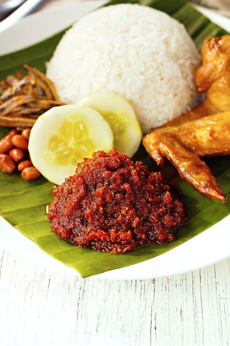 Products-dapur-kitchen-heat-and-serve-sambal-presentation