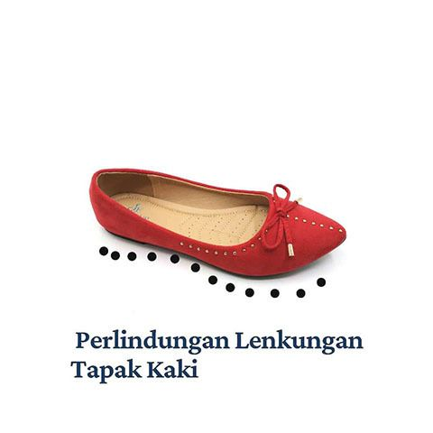 2.JF2104 (Shoes Curve).jpg
