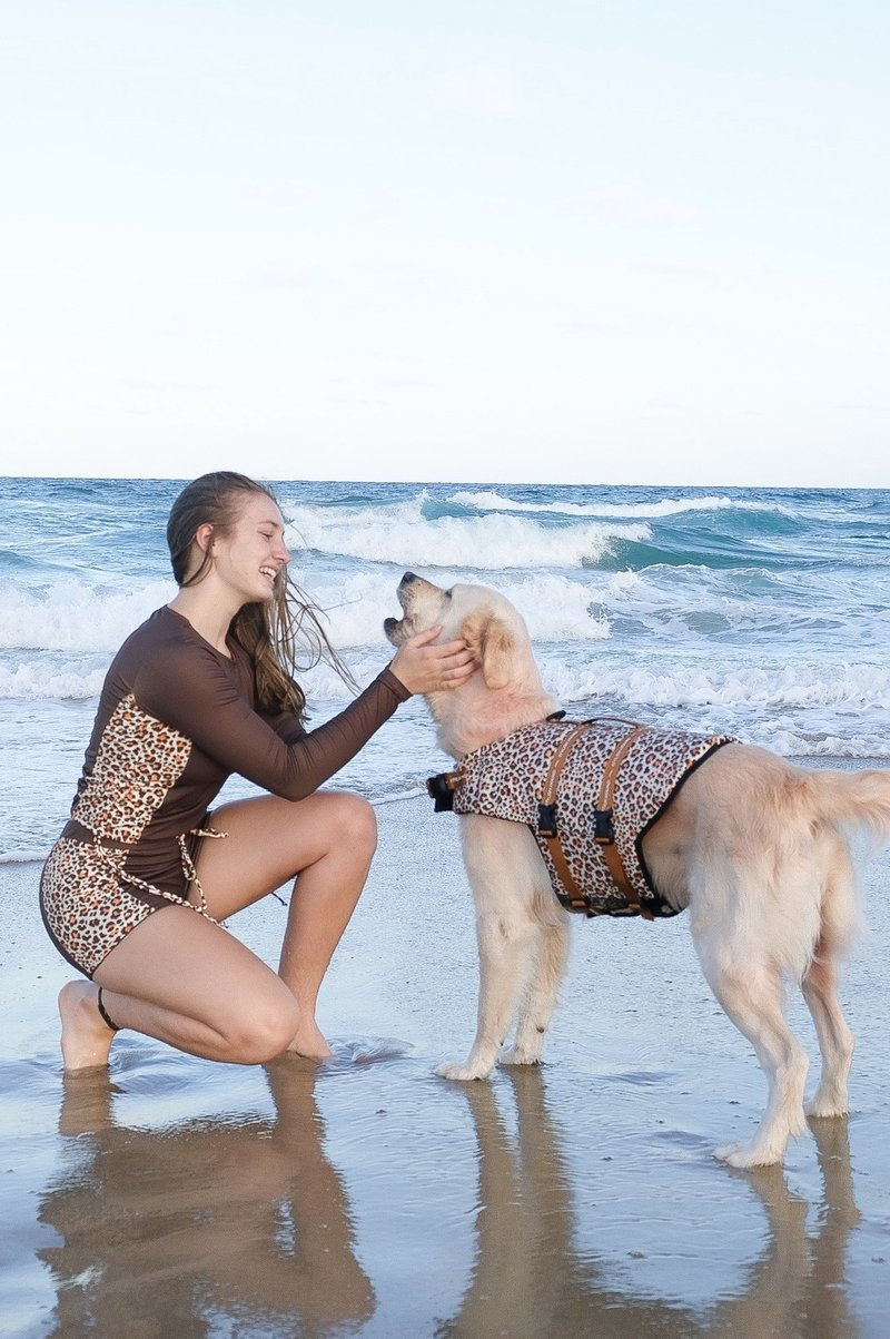 WILD SIDE DOG SWIM JACKET 03.png