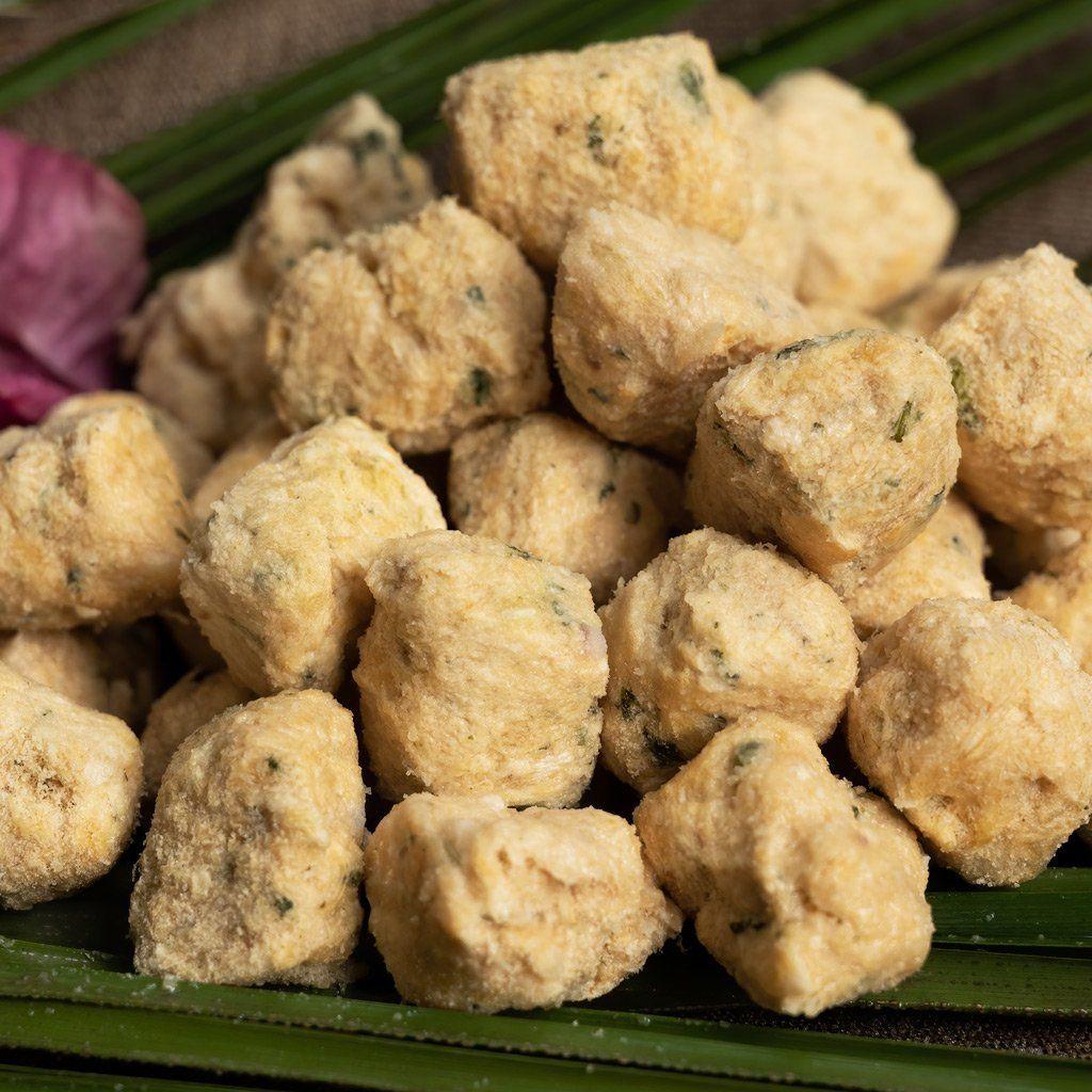 CocoTherapy Coco-Carnivore Meatballs Treats Turkey + Spinach + Coconut 03.jpg