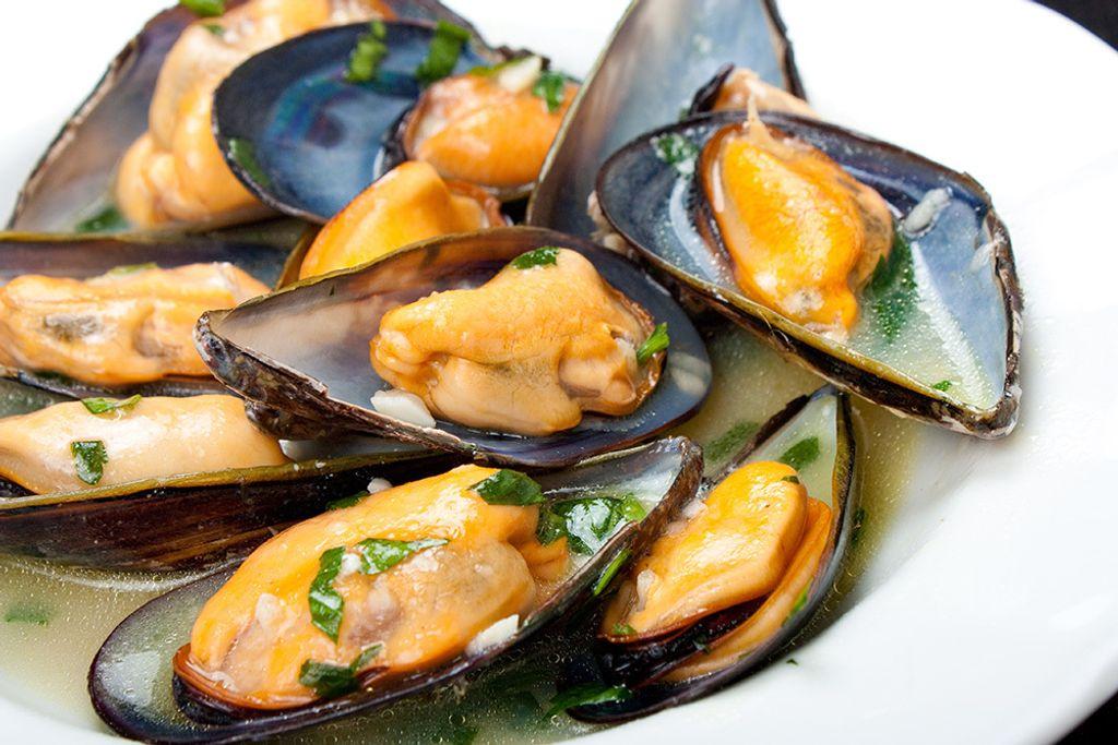 Mussel Half Shell New Zealand 4.jpg
