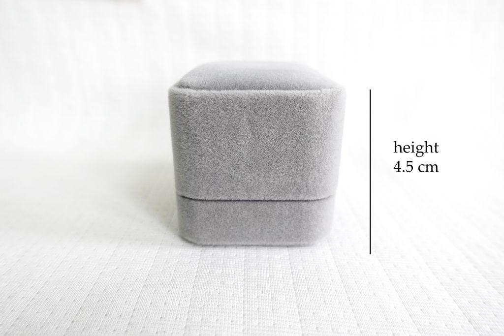 ring box measure heigh.jpg