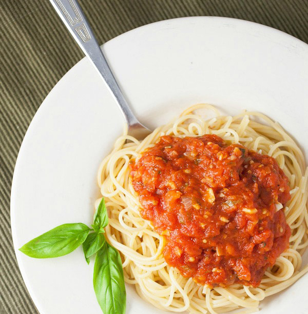 How-To-Make-Homemade-Spaghetti-Sauce-5-1.jpg