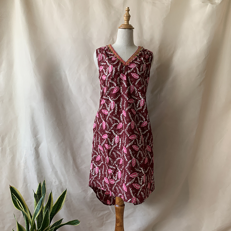 sadie-dress-maroon-pink.jpg