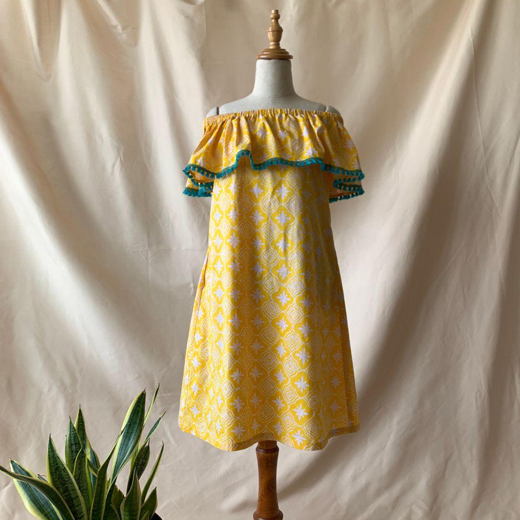 ana-yellow-turq-tassel-f.jpg