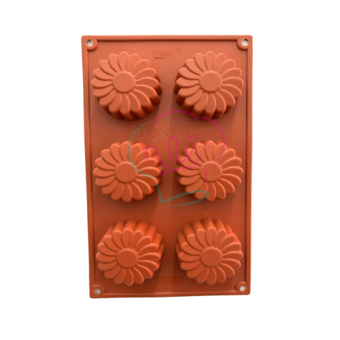 Daisy Mini Bundt Cake Mould.png