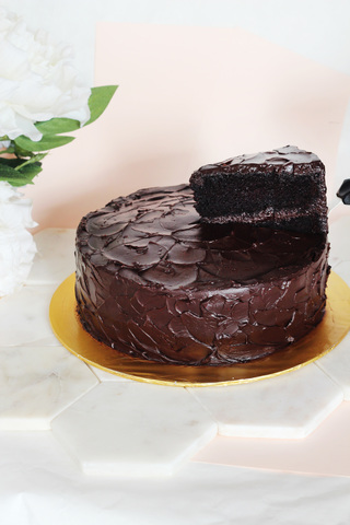 Devil's Food chocolate cake.jpg