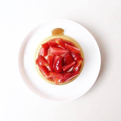 strawberry panna cotta tart.jpg