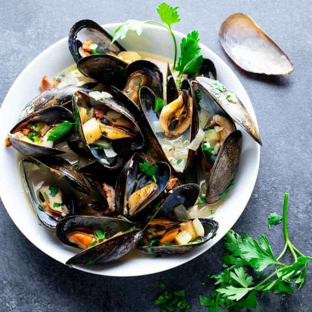 how-to-cook-mussels-sq-309.jpg