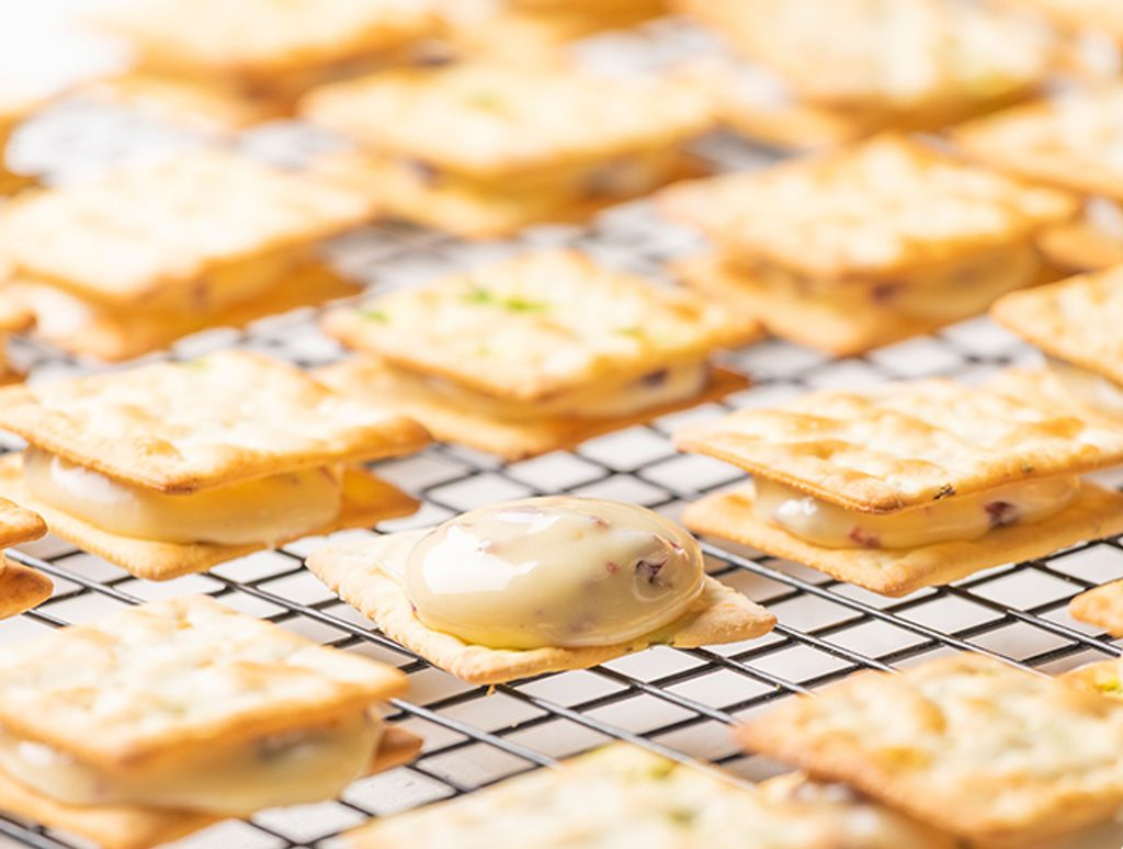 Min't Homemade Cakery_Nougat Biscuits_Original Cranberry _210g (2).jpg