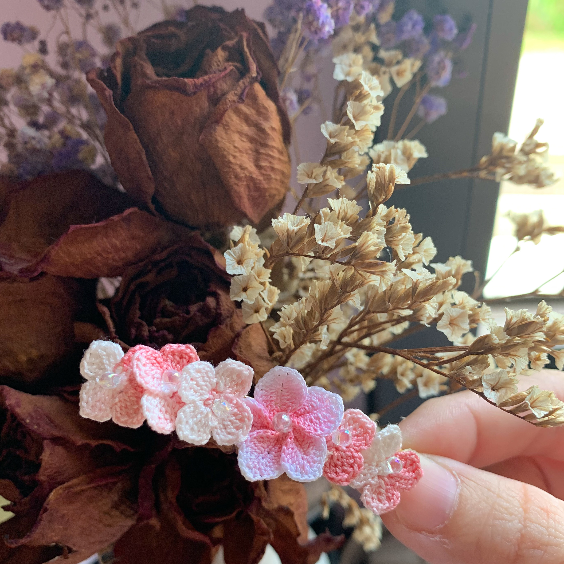 Pinky Flower Hairclip.jpg