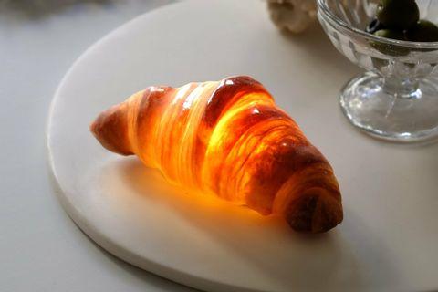 croissant_table_1024x10242x.jpeg
