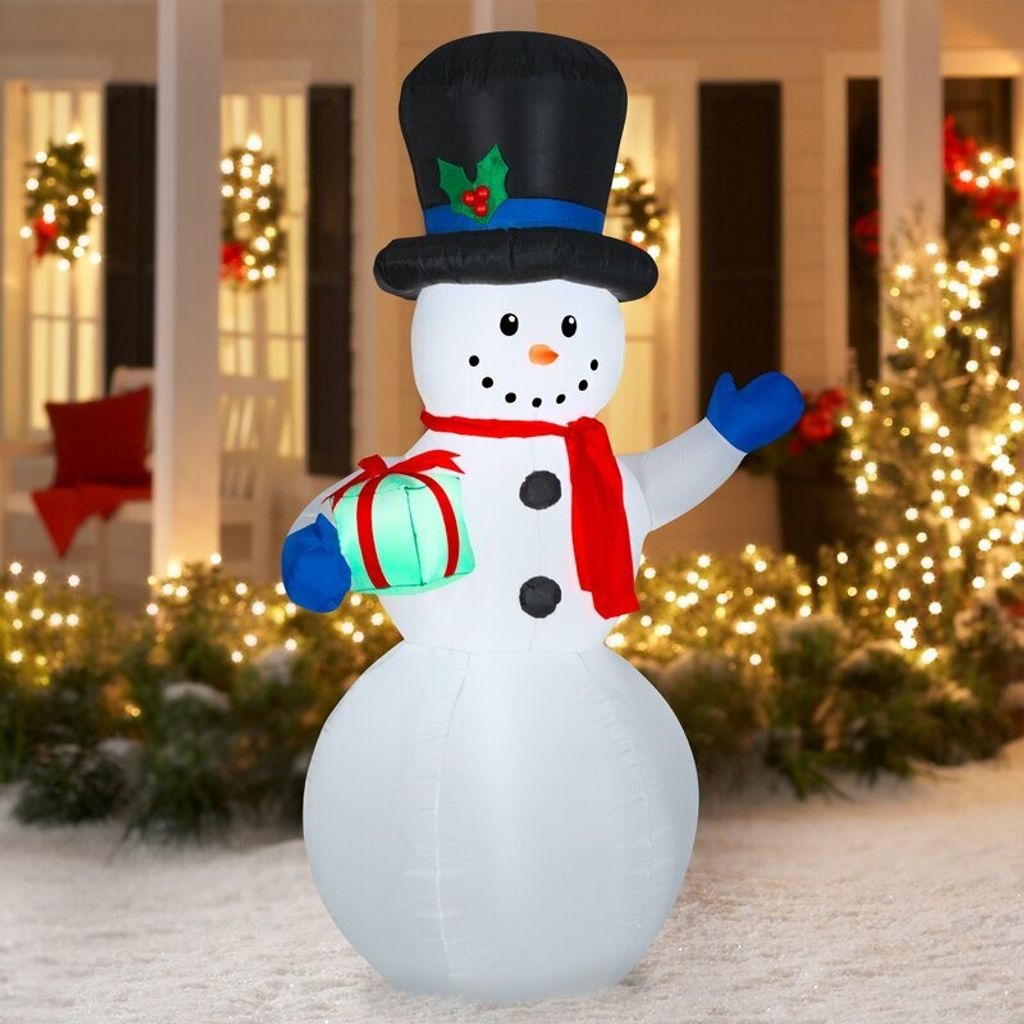 Airblown+Inflatable+Snowman+With+Present.jpg