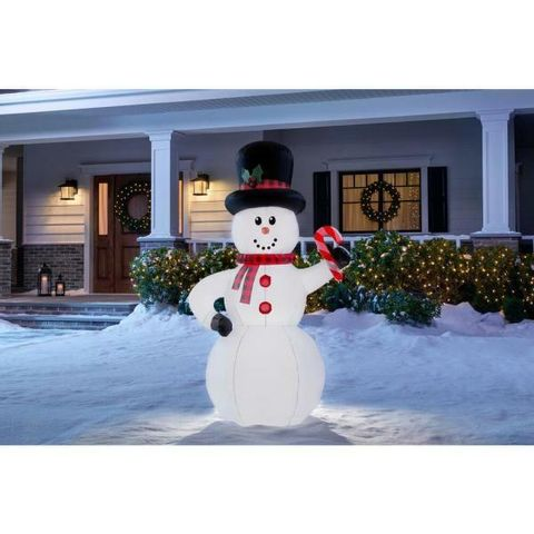 home-accents-holiday-christmas-inflatables-117582-e1_600.jpg