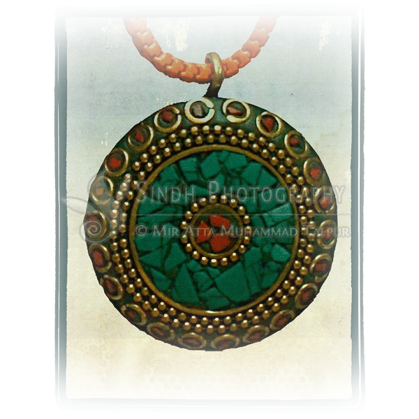 pendant-necklace-sindhi-baloch-pendant-with-chain-vintage-jewelry-1.png