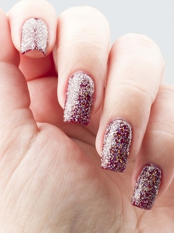 OPI-Sunrise-Bedtime-closeup-nails-768x1024.jpg