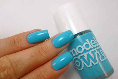 models-own-turquiose-sea-swatch-02 (1).png