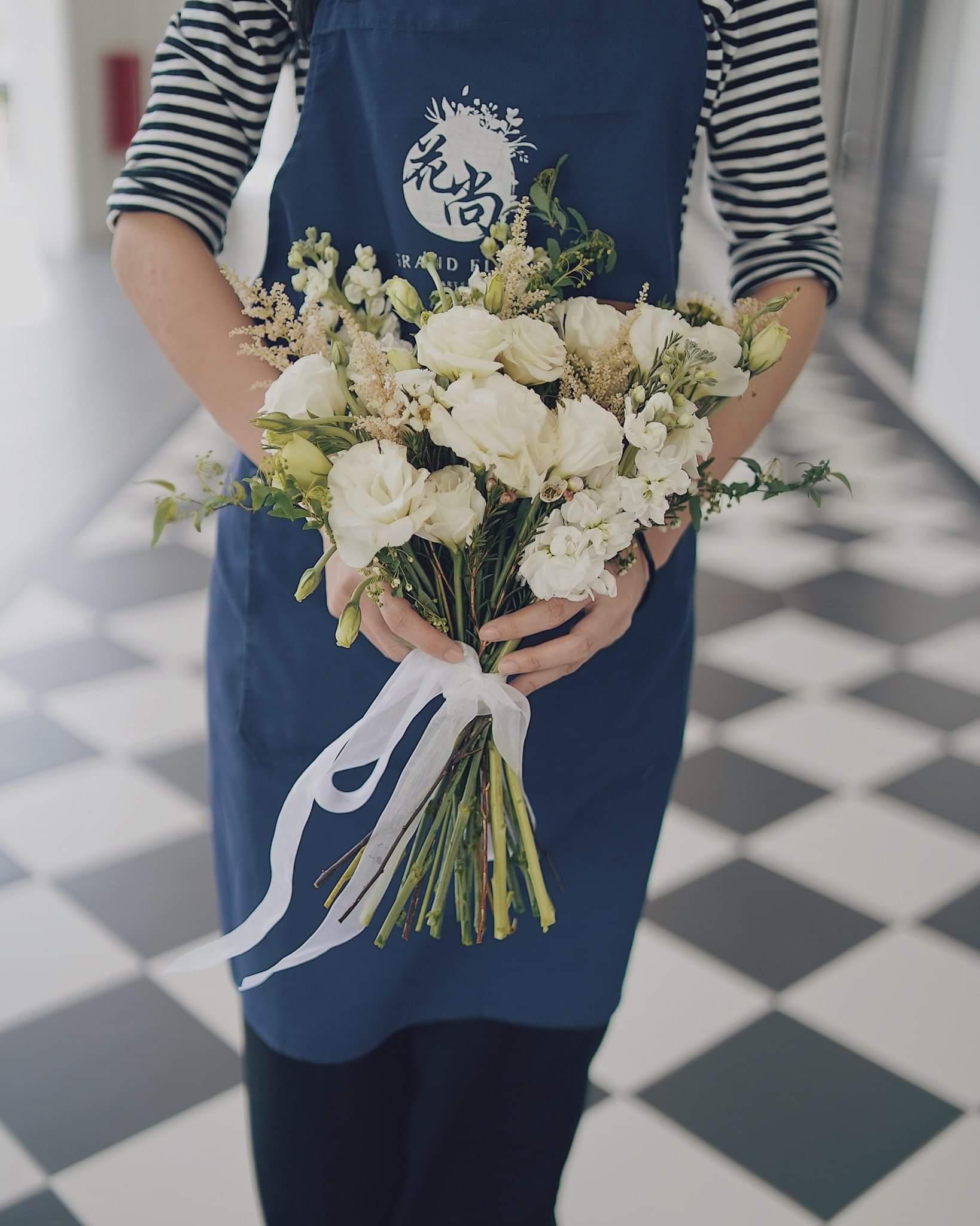 Grand Floral Art Studio |  - ROM/BRIDAL BOUQUET