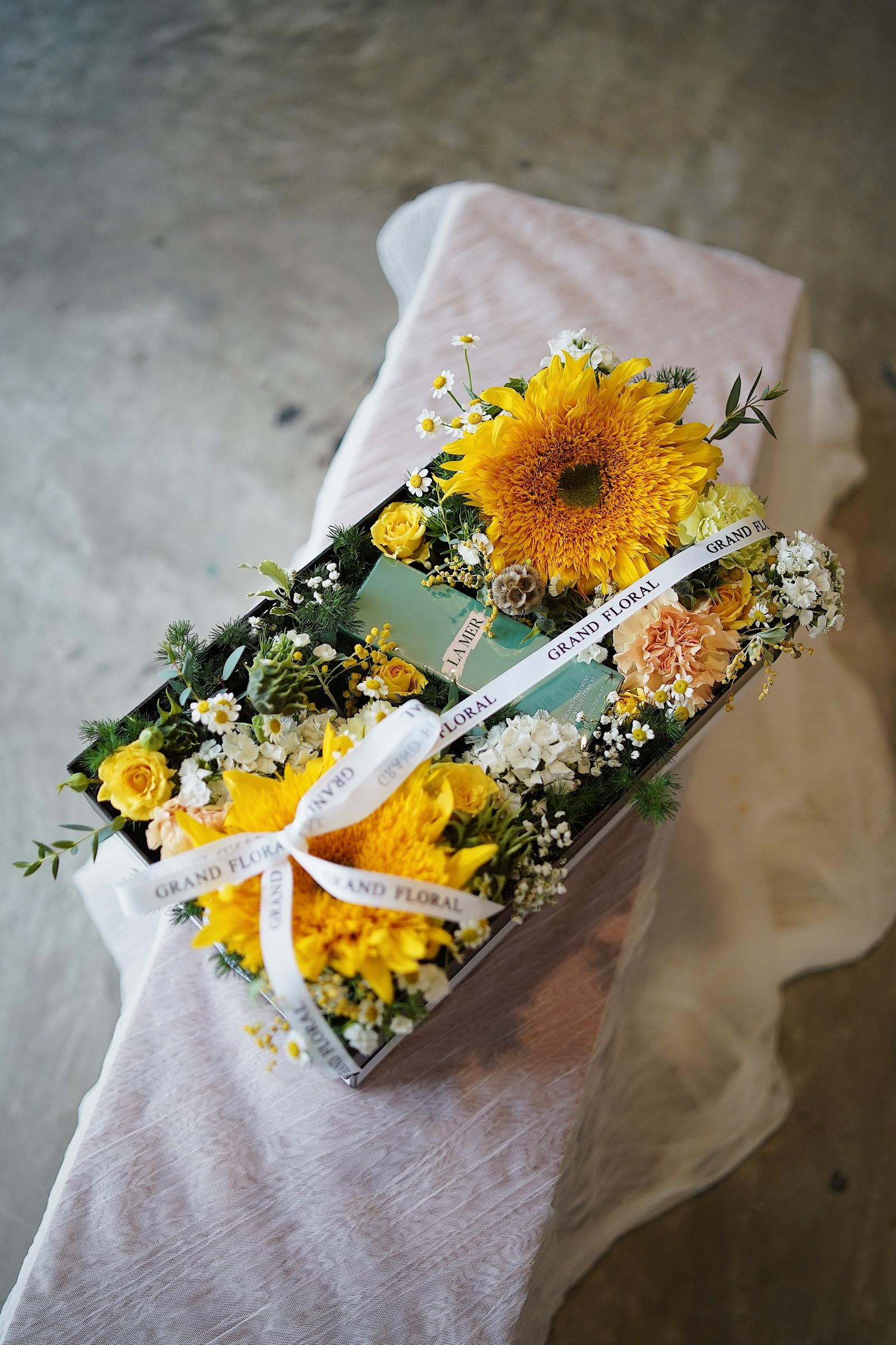 Grand Floral Art Studio |  - FLOWER BOX