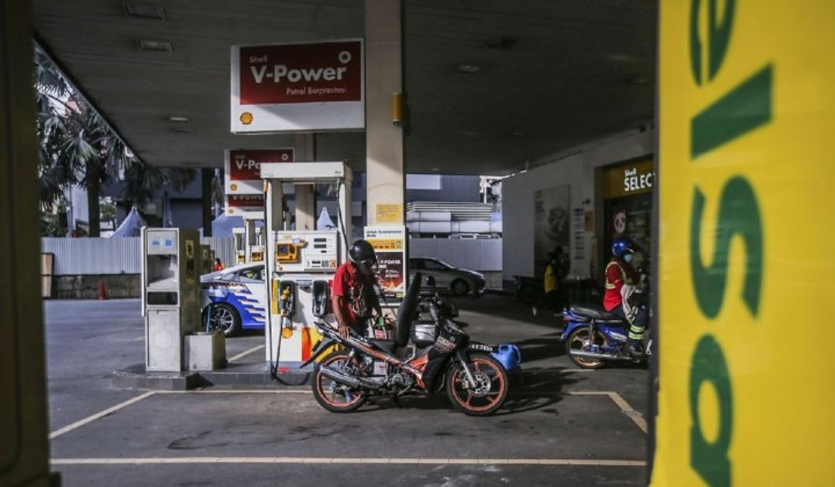 Petrol Station, ATM & More: MKN Clarifies When You Need To Scan MySejahtera