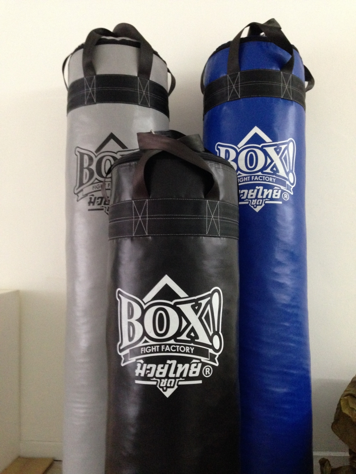 BOX!_Muay-Thai_serie_punching-bag_ 5-feet-RED.JPG