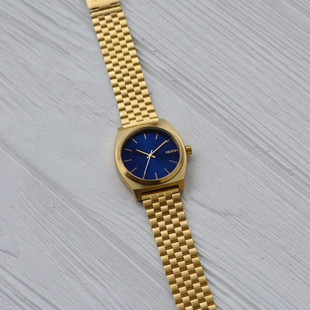 time teller blue2.jpg