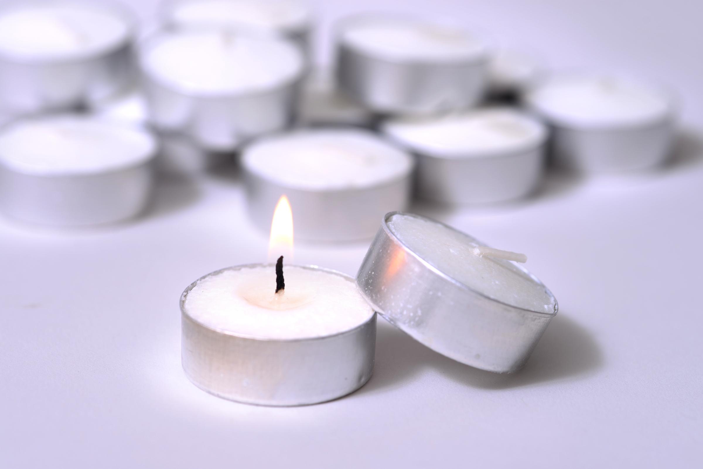 Tealight Candle 2.jpg