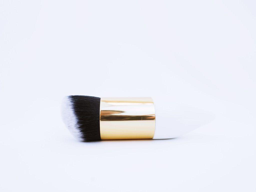 slanted-brush-scaled.jpg