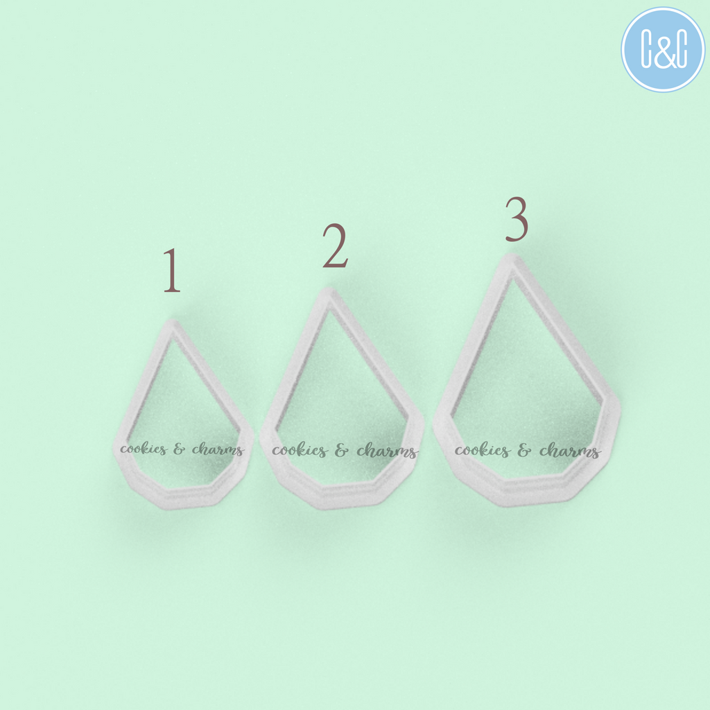 Geometric Shape 4 Clay Cutters comes with 3 different sizes.