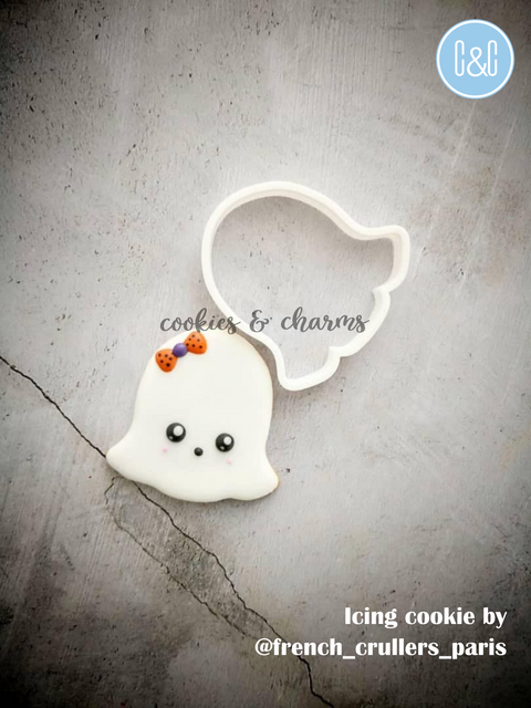 Ghost cookie cutter.png