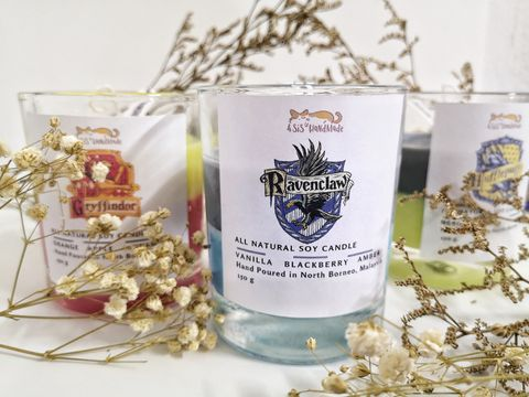 Ravenclaw candle 1.jpg