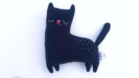 Tingau_Cat_Black_mini_1.jpeg