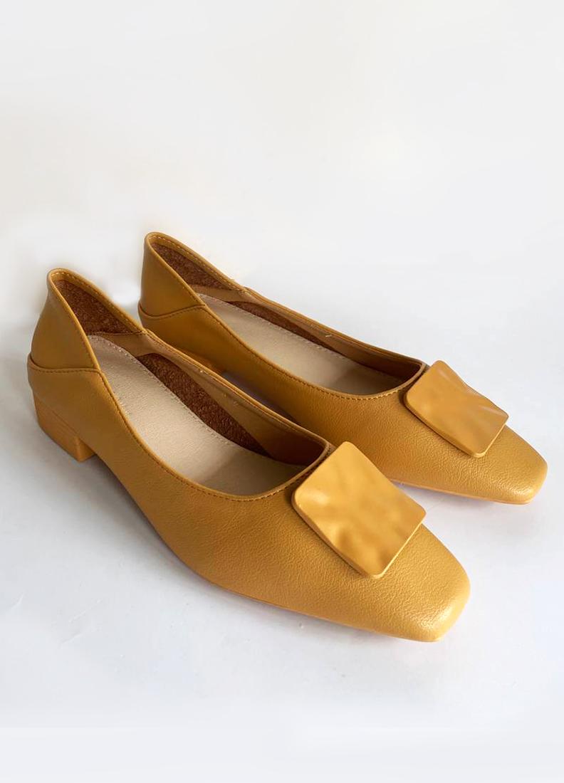 Bella Buckle Heels in Yellow