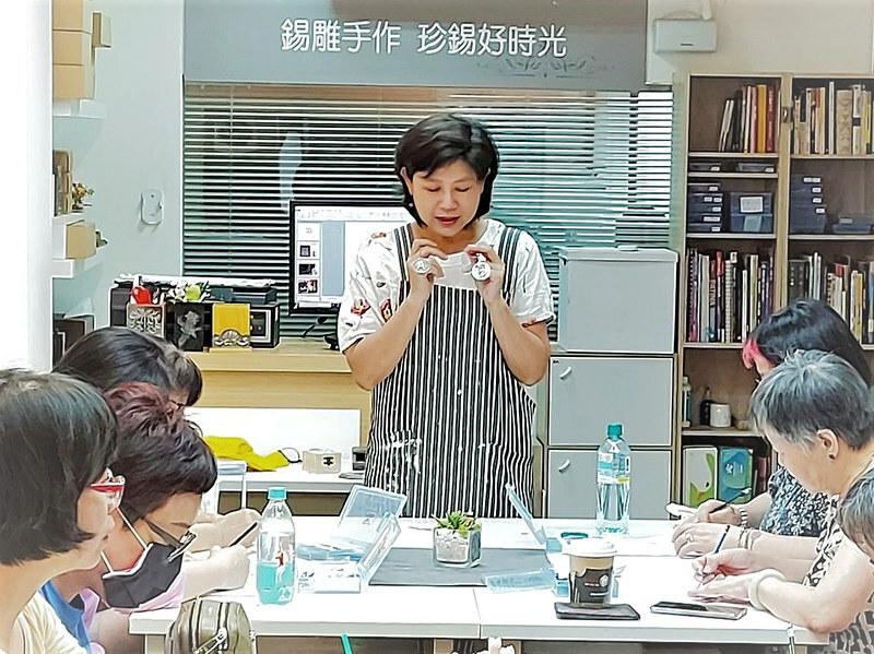 Nina 李容端 - 蓉緹錫雕師資