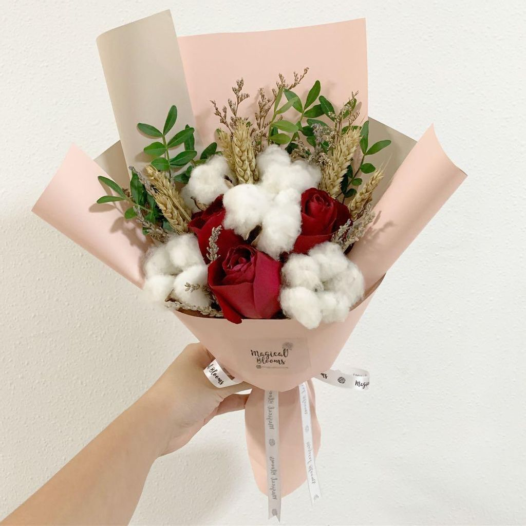 cotton_flower_with_red_rose_and_wheat_flower_birthday_bouquet_1548844683_13d4f248_progressive.jpg
