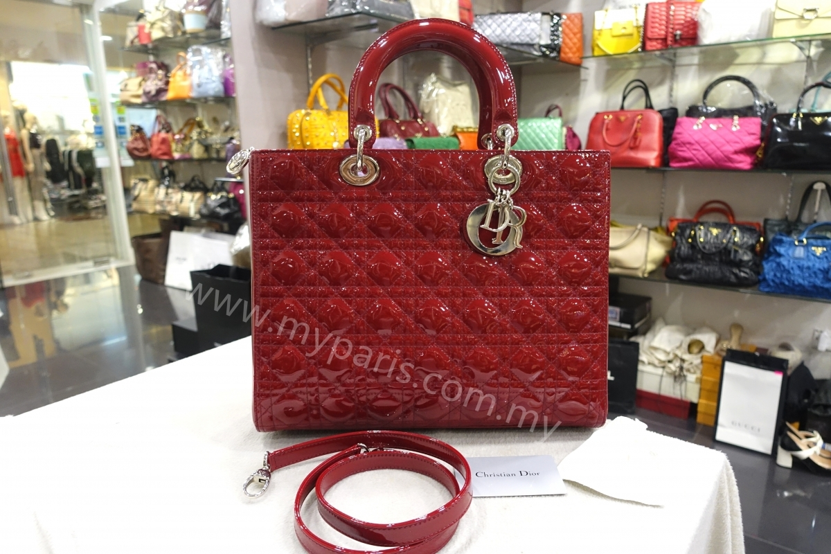 154503bddb ... Red Patent Leather Lady Dior Large SHW. 1487642149_2758248_z.  1487642149_2758248_z; 1487642149_2758249_z; 1487642149_2758250_z;  1487642149_2758251_z ...