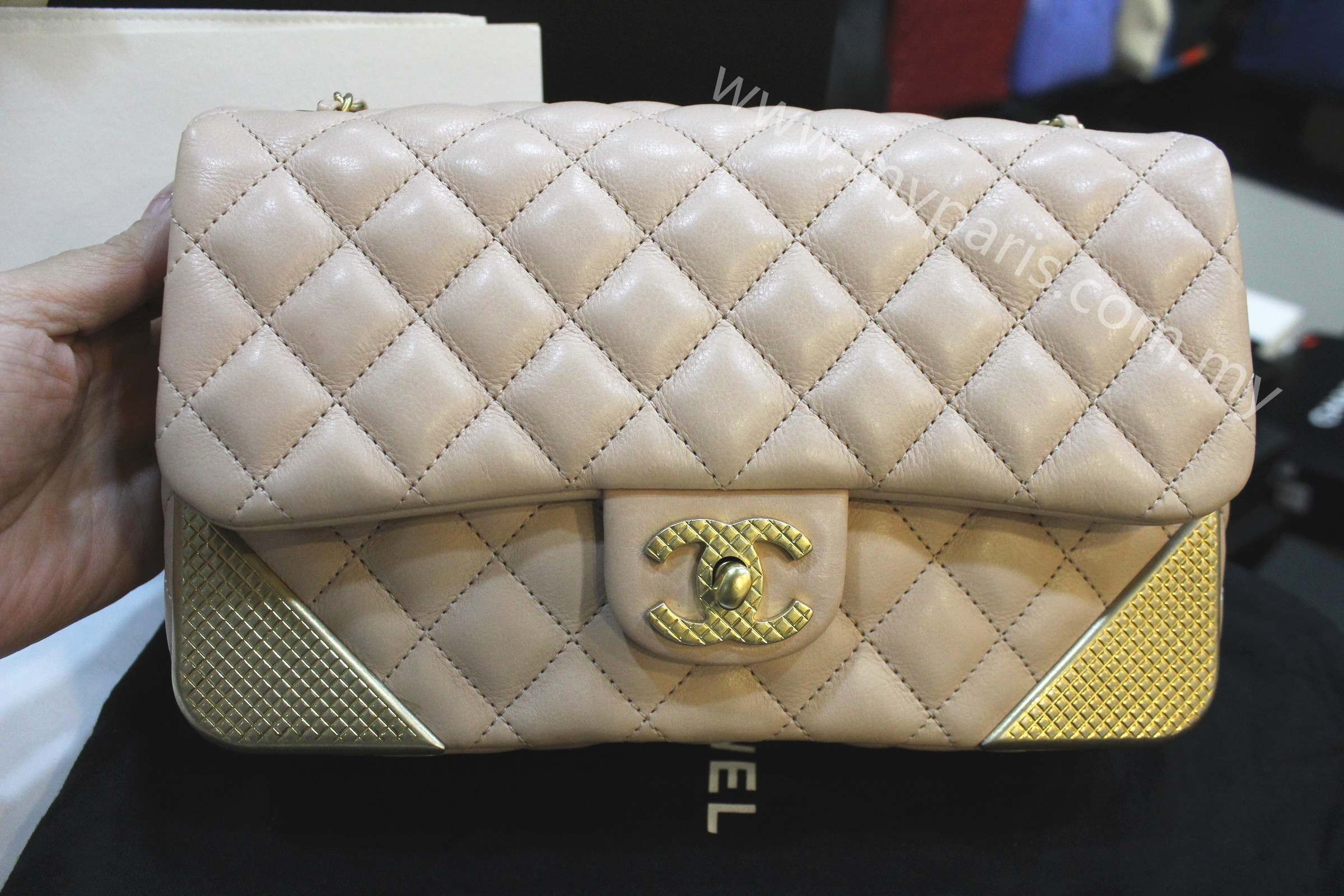 e537c2e5833d Chanel Quilted Calf Leather Rock The Corner Medium Flap Bag – My ...