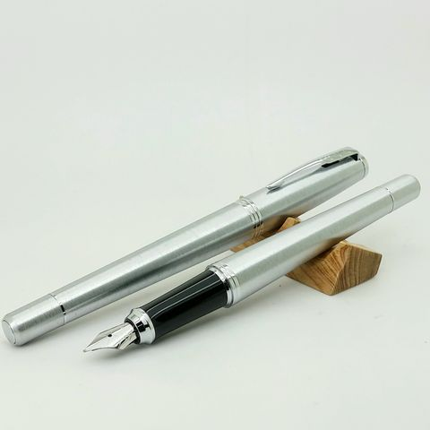 鋼筆工作室 派克 URBAN 紳士系列 鋼筆白夾銀桿