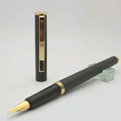 鋼筆工作室林氏筆業老派西德尖鋼筆-黑格紋桿開蓋照