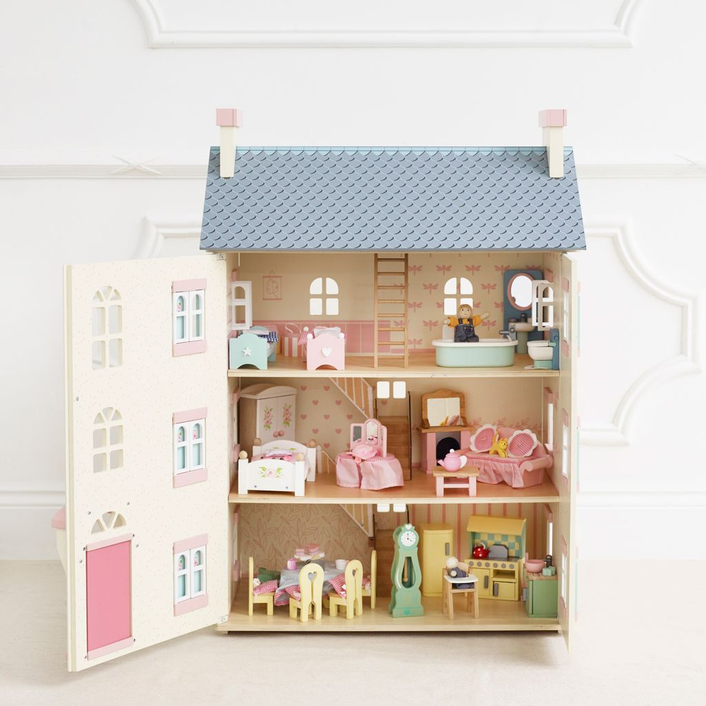H150-cherry-tree-hall-2021-filled-with-dolls-furniture-all-floors.jpg