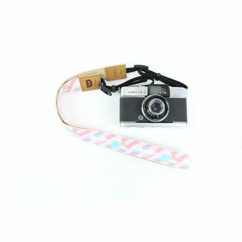3006-01-富士山-粉紅-相機背帶-Pro01-SQ1000.jpg