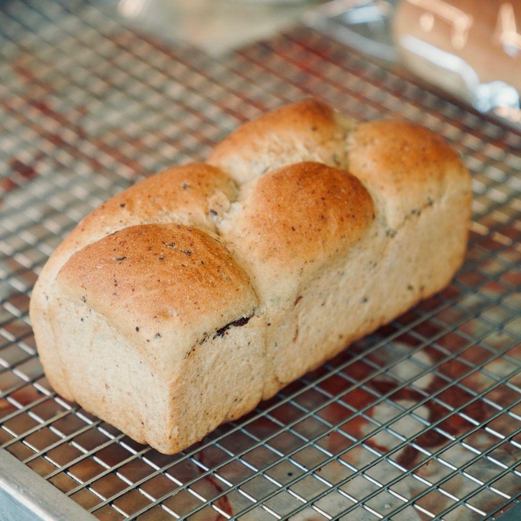 Red Bean Loaf 红豆吐司